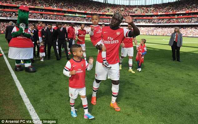 Arsenal Star Bacary Sagna Agrees To Leave Club After FA Cup Final